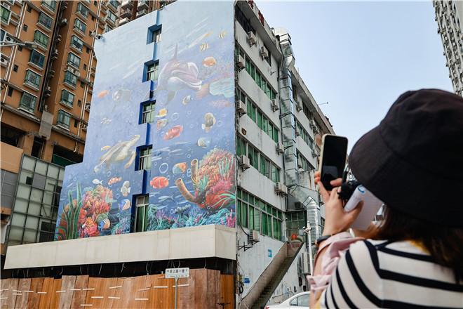 IN视频|旧墙焕新颜 沙头角街道用绘画扮靓老旧墙体