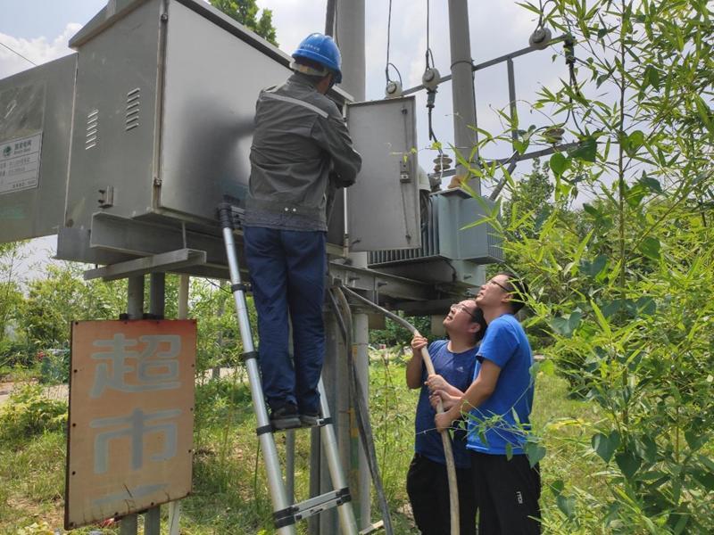 通电了!航天工研院发电机组援豫救灾送光明保安全
