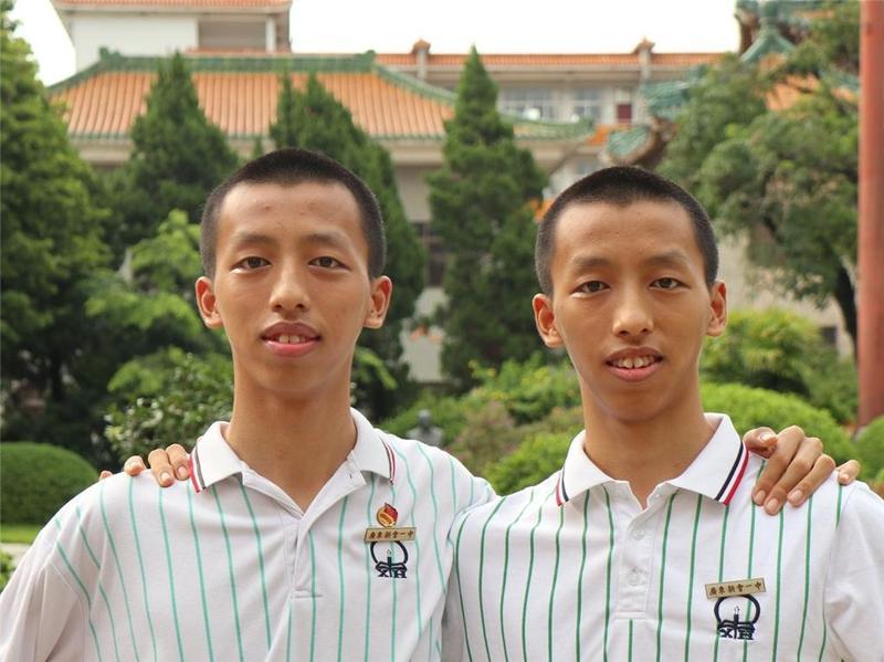 别人家的娃:江门市新会一中10对双胞胎,19人进重点大学