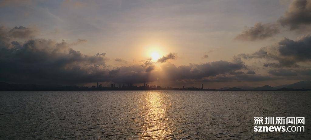 IN视频 今日深圳8月2日:听海,在黎明破晓时