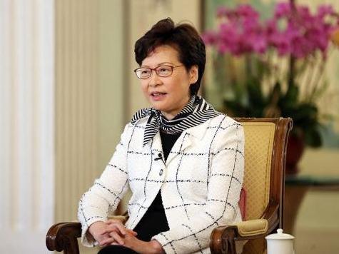 林郑月娥祝贺香港乒乓球运动员在奥运勇夺铜牌