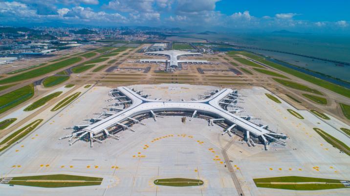 """减少碳排放超60万吨 深圳机场荣获市""""绿色低碳十佳企业""""称号"""