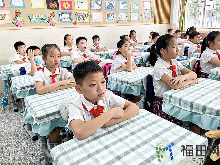 """开学啦!福田区岗厦小学近1600名""""正气少年""""喜迎新学期"""