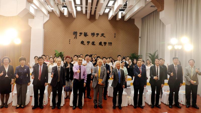 港中大(深圳)音乐学院今日举行开学典礼  首届8位新生报到