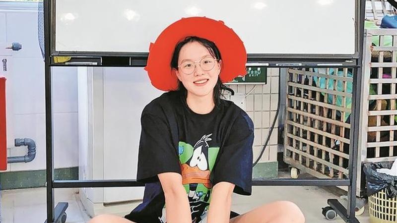 深圳奥运冠军汤慕涵18岁啦!