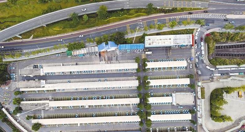 深圳超级的士充电站:日均充电4000车次