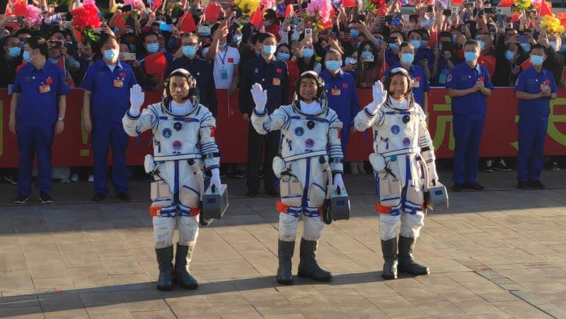 航天员太空返程后也需隔离 网友:行程码咋显示?