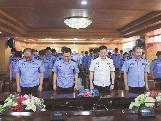 """东莞市公安局黎伟标被追授""""全国公安系统一级英雄模范""""称号"""