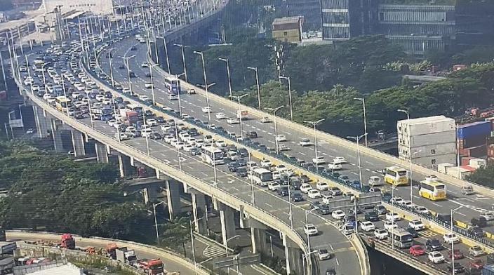 假期的深圳哪儿最堵?交警的今日份预测:拥堵从上午8点开始